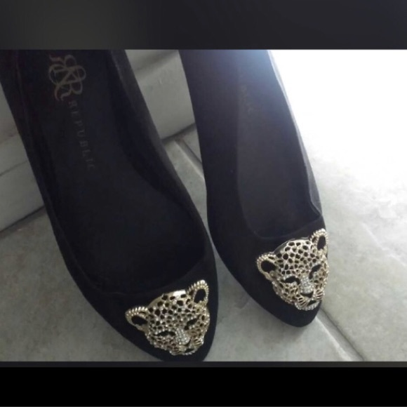 Rock & Republic Shoes - Rock & Republic Black flats